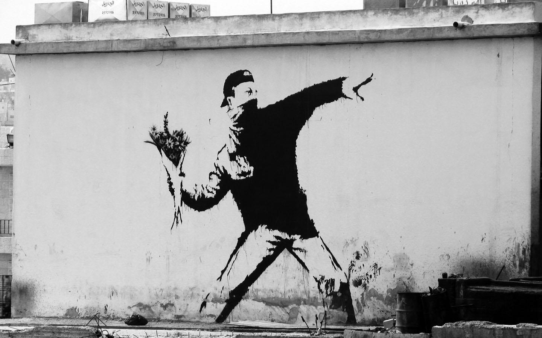 banksy-bandit-throwing-flowers