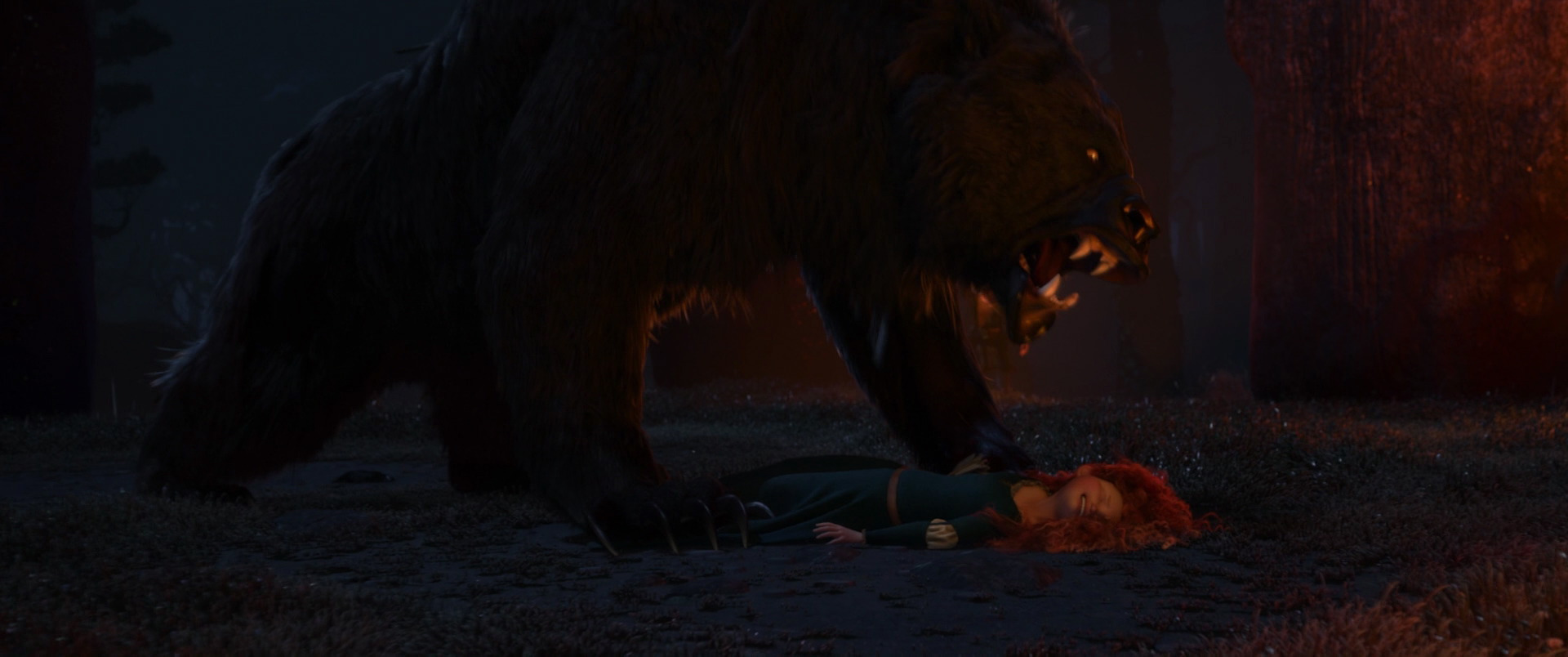 Brave-Movie - Merida attacked by Bear Mordu